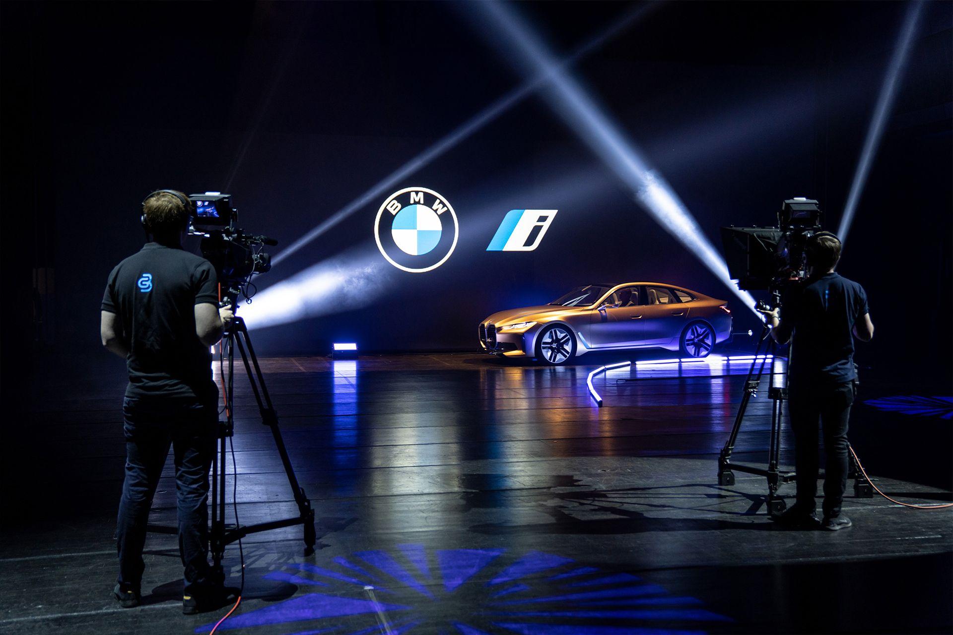 BMW Welt Regie