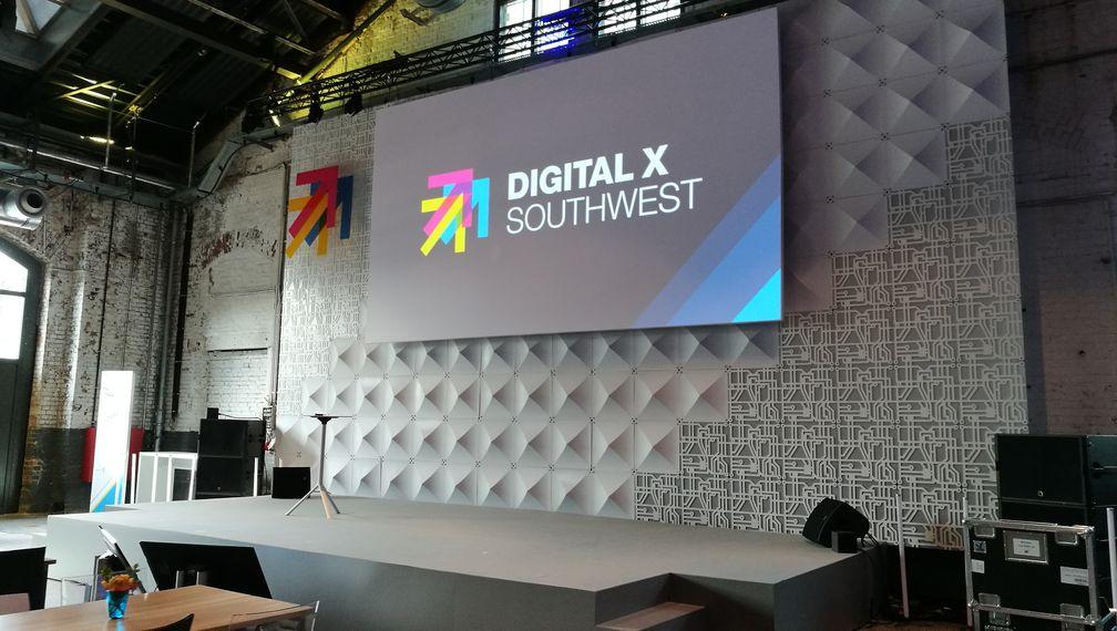 Digital X Bühne