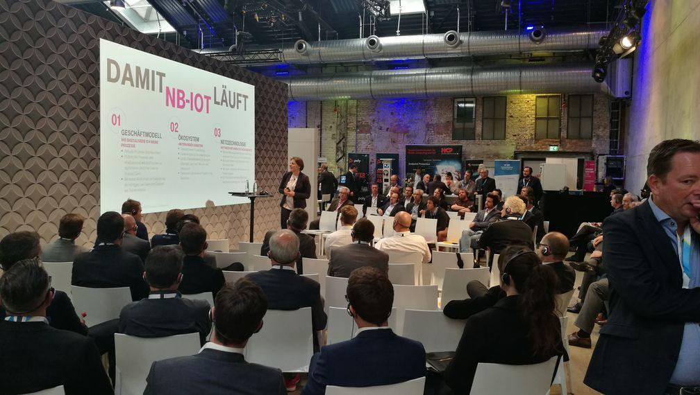 Digital X Redner mit Publikum
