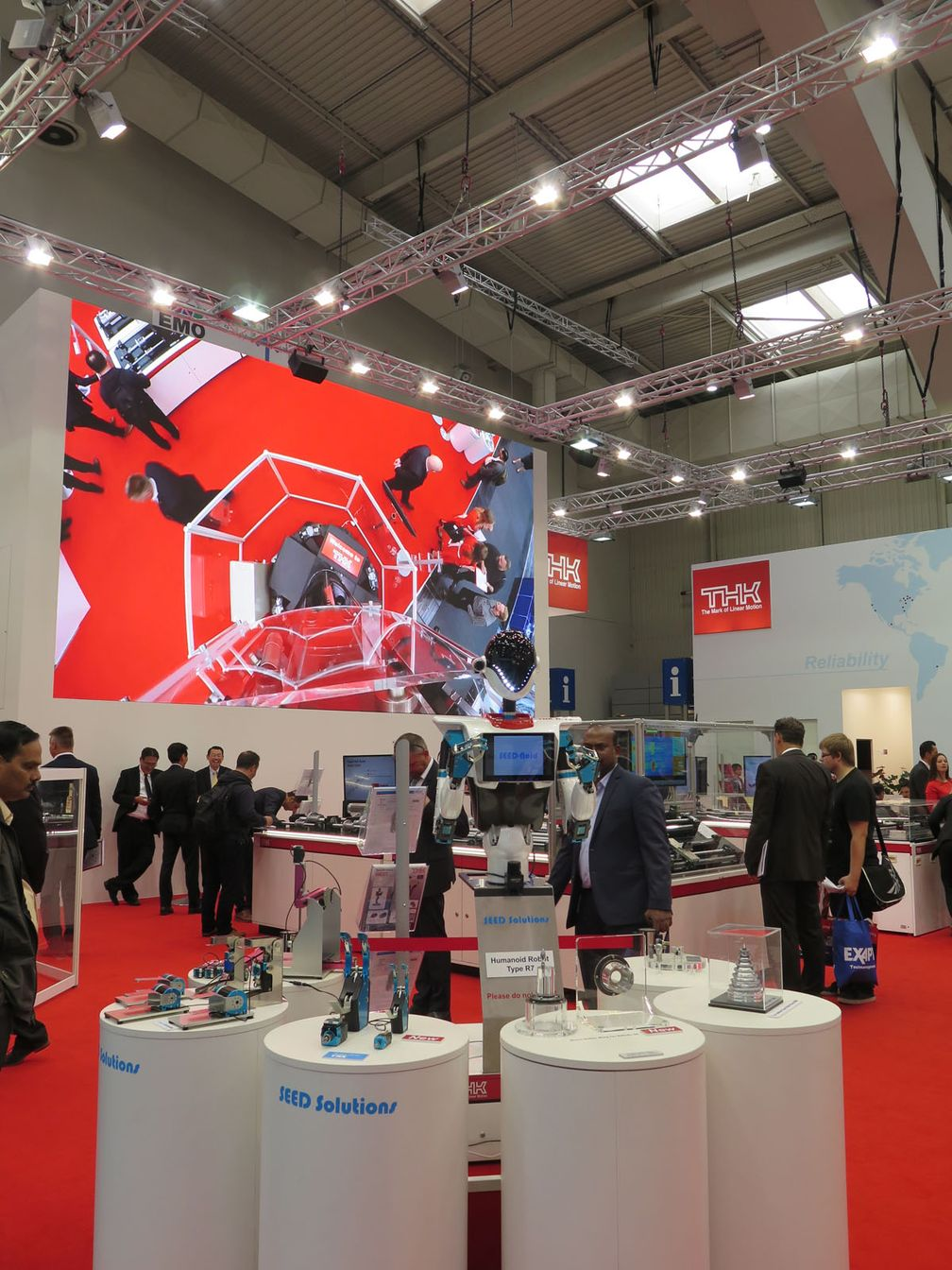 EMO Hannover THK Messestand