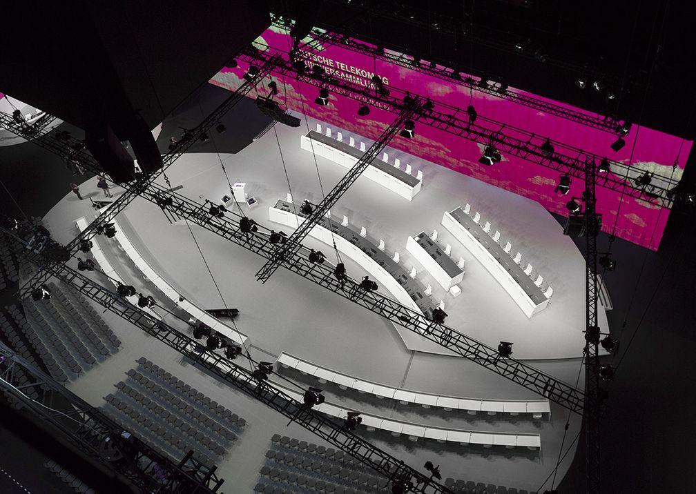 Telekom Hauptversammlung Bühne