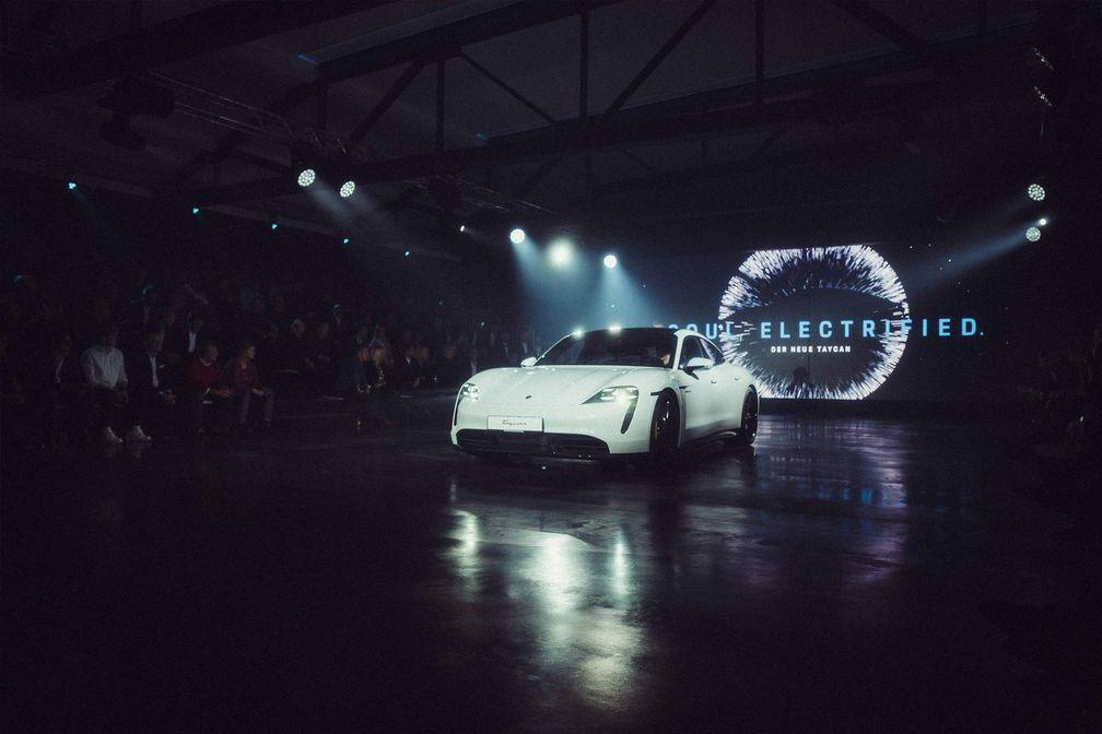 Porsche Taycan Show