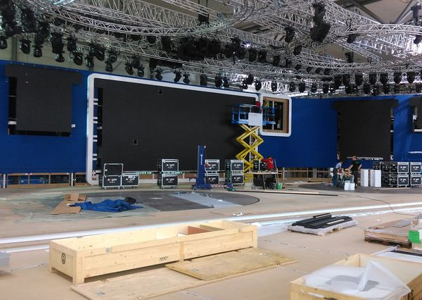 IAA VW LED wall setup