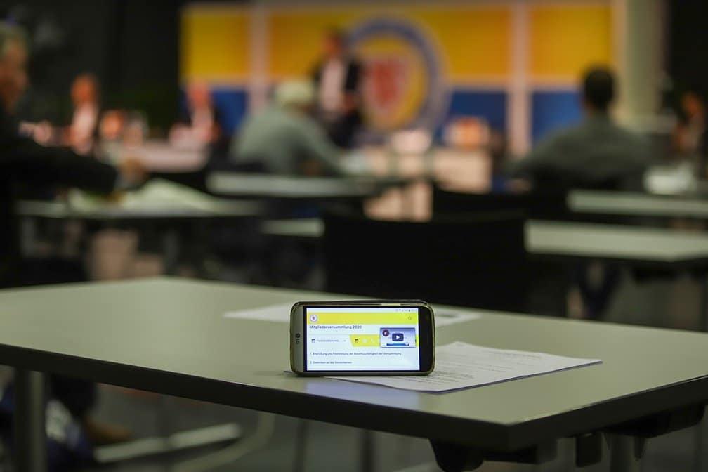 Eintracht Braunschweig digitale Mitgliederversammlung Smartphone