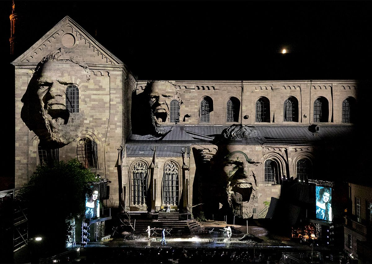 Worms imperial cathedral video mapping